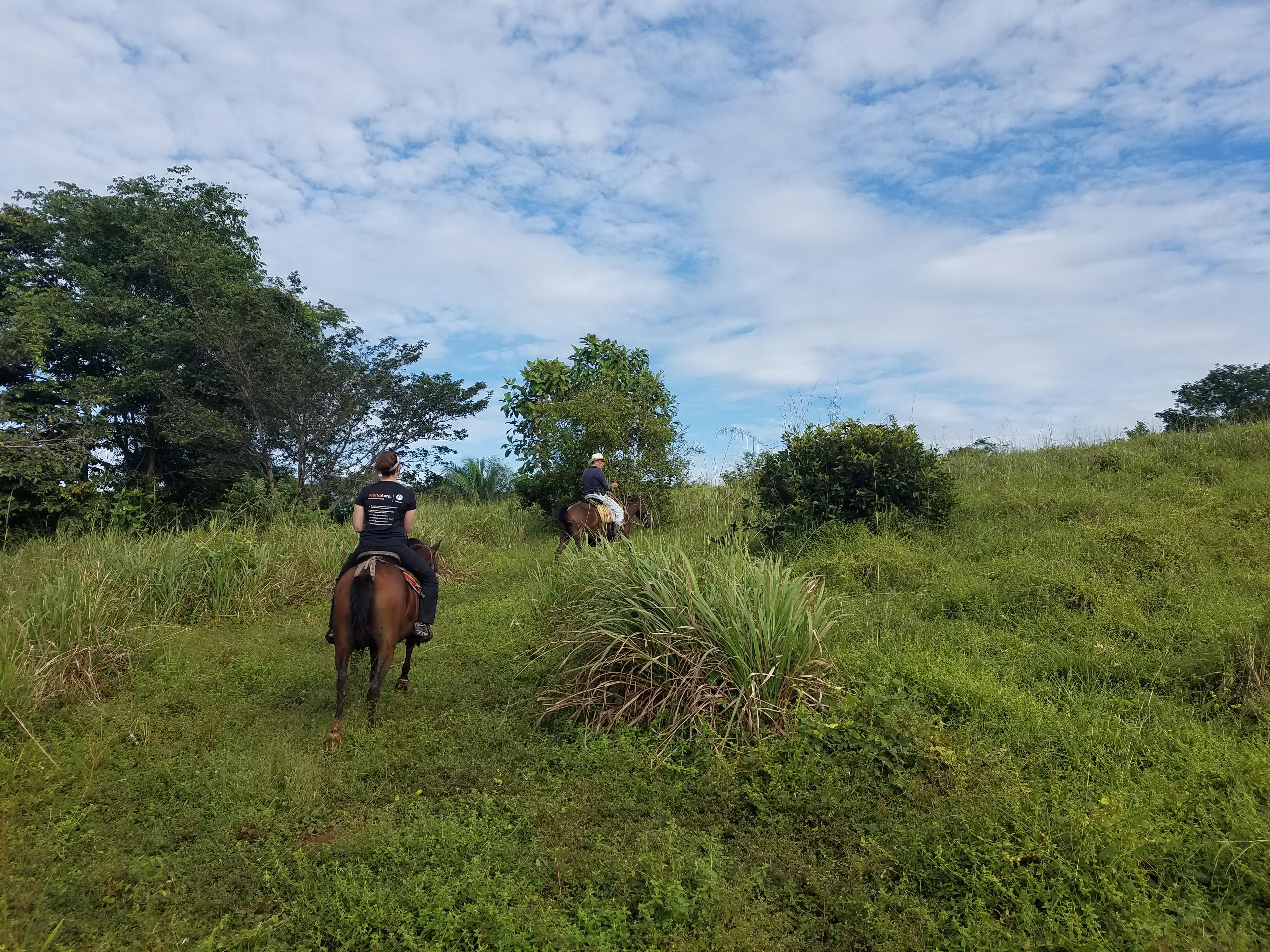 CostaRica_horsebackriding_2.jpg