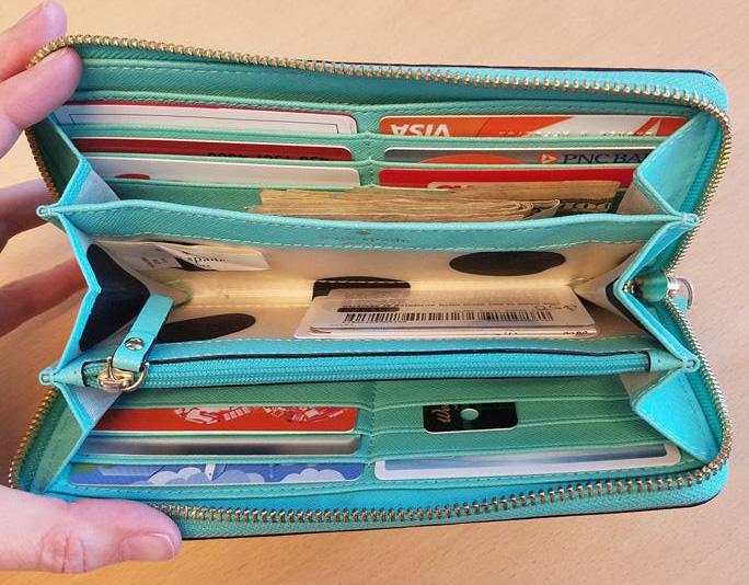 purse_wallet_inside