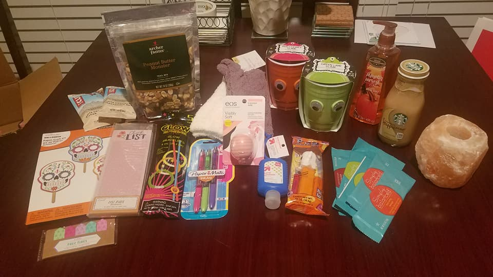 MyWeekend_103017_giftbox